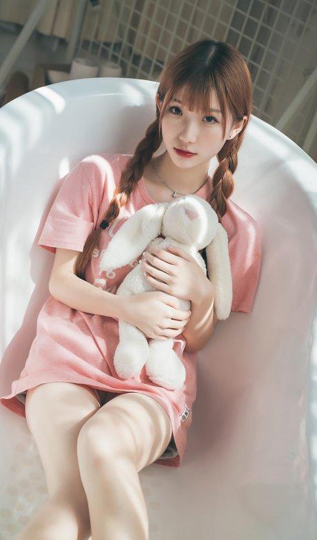 萌兔图 VOL.0010 樱桃未红(21P)