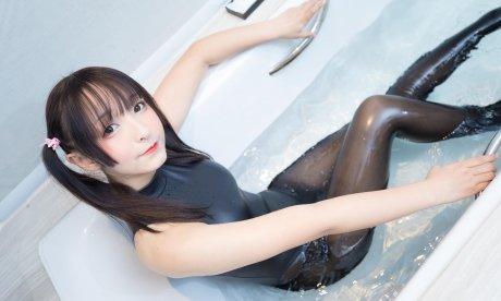 「神楽坂真冬」水の形(150P 339M)