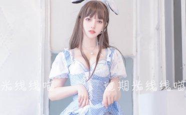 「过期米线线喵」蓝白女仆装(46P 85.3M)